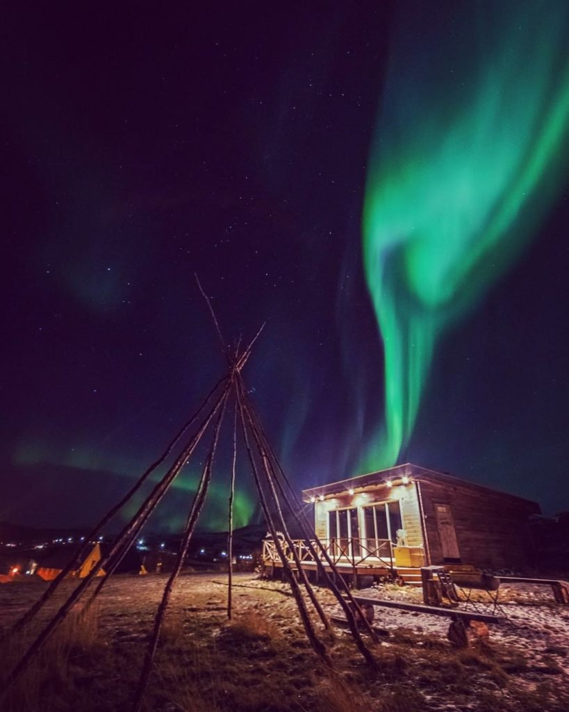lavvo storekorsnes northern lights